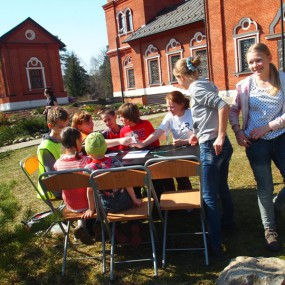 Детский праздник на Пасху в Свято-Никольском храме села Макарово.