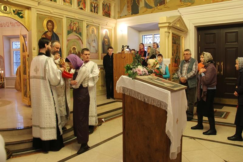 18 января в храме Святителя Николая села Макарово проходила служба Навечерия Крещения Господня