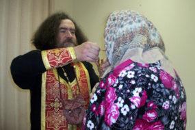Более 15 лет священниками нашего прихода осуществляется духовноеокормление больных, находящихся на лечении в Больнице НЦЧ РАН.