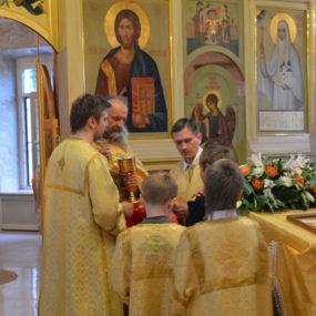 Божественная Литургия в Свято-Никольском храме с.Макарово