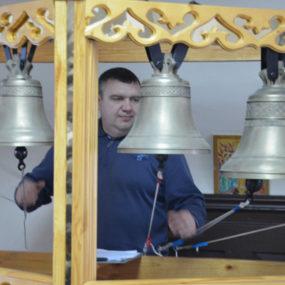 Занятия в школе звонарей в Кудиново