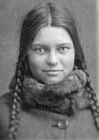 Внучка митрополита Серафима, Варя Чичагова, студентка техникума, 1930-е годы.
