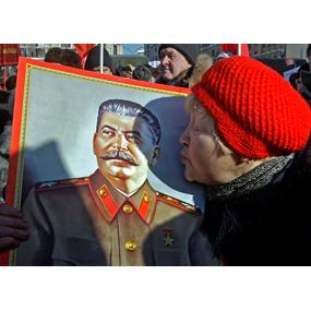 <b>Любовь к Сталину:</b> люди хотят покоя и ни за что не отвечать