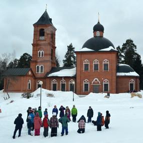 Масленичный буфет и взятие снежного городка
