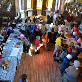 Круглый стол и выставка книг