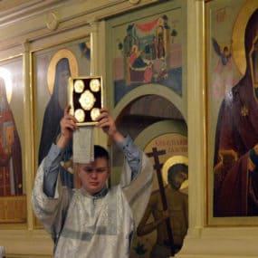 Богослужения в Свято-Никольском храме с.Макарово ночь с 6 на 7 января 2018 года