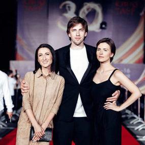 Команда фильма 'Верность': Нигина Сайфуллаева, Александр Паль и Евгения Громова