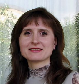 Анна Повстяная
